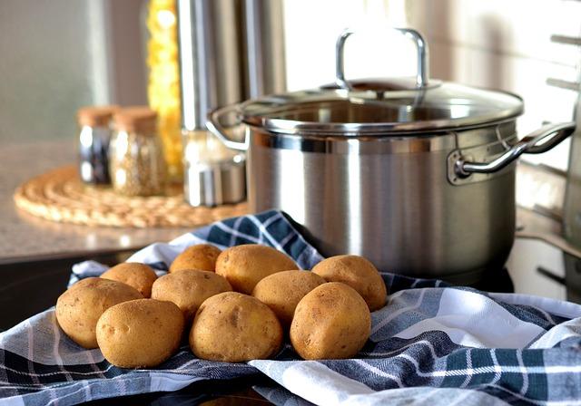 Ormiańska sałatka z ziemniaków i kapusty
